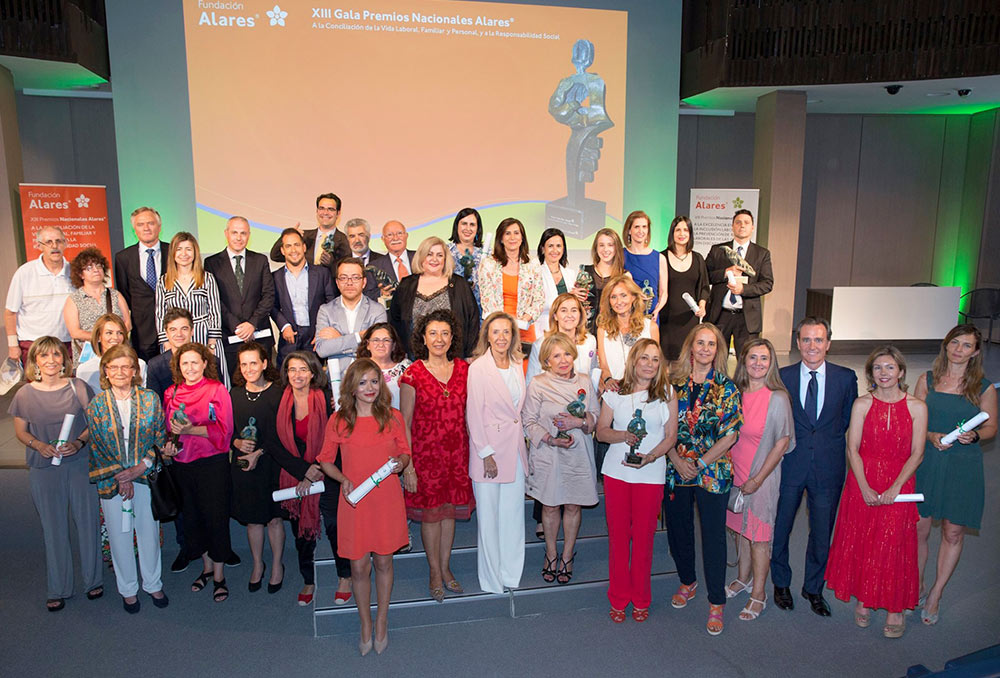 Foto familia Premios Alares 2019